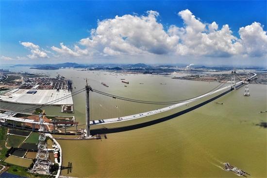 今天,跨径1688米的虎门二桥坭洲水道桥顺利合龙