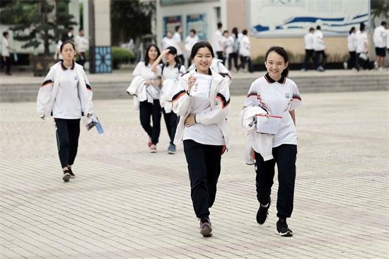 南沙4575名考生顺利中考 区内7所高中今年计划招生2062人